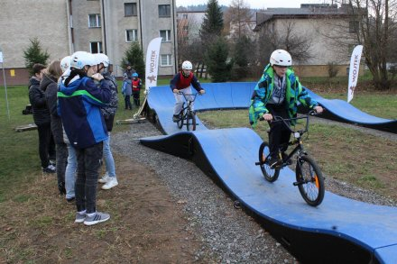 Pumptrack za blokami